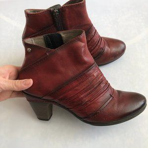PIKOLINOS Shoes - Pikolinos Red Parma Pleated Ankle Bootie Size 7